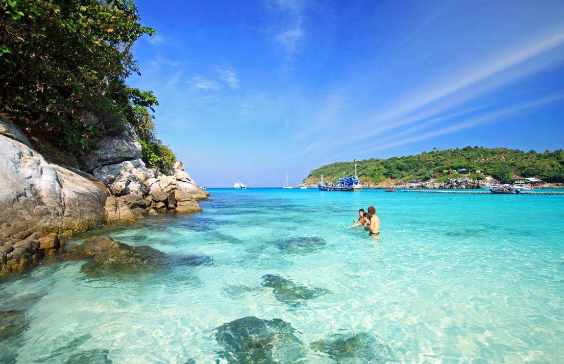 Raya and Coral island