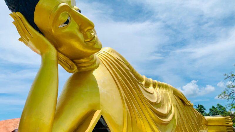 BUDDHA RECLINADO (Wat Sri Sunthon) (Thalang)